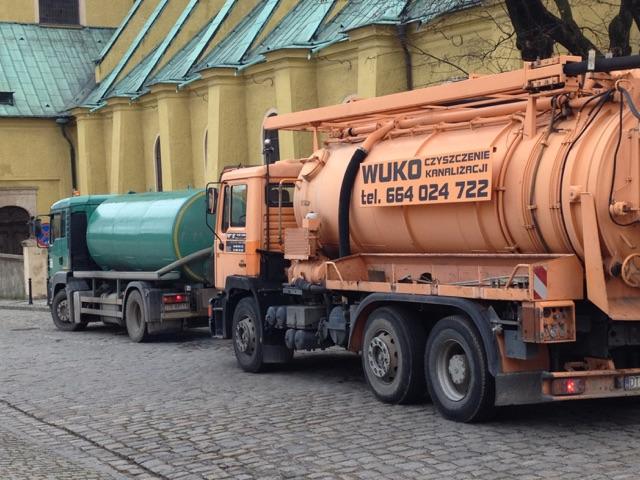 Pojazdy asenizacyjny i WUKO
